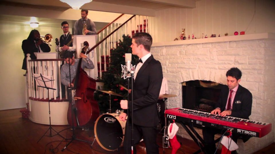 Have Yourself A Merry Little Christmas | Postemodern Jukebox (ft. Von Smith)