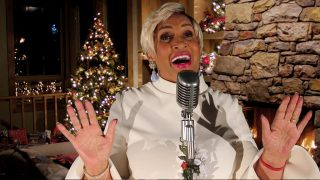 It's Christmas Time Again | Ms. Robbie