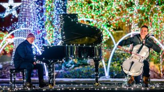 Let It Snow/Winter Wonderland – The Piano Guys